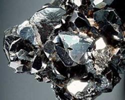 гематит камни обереги